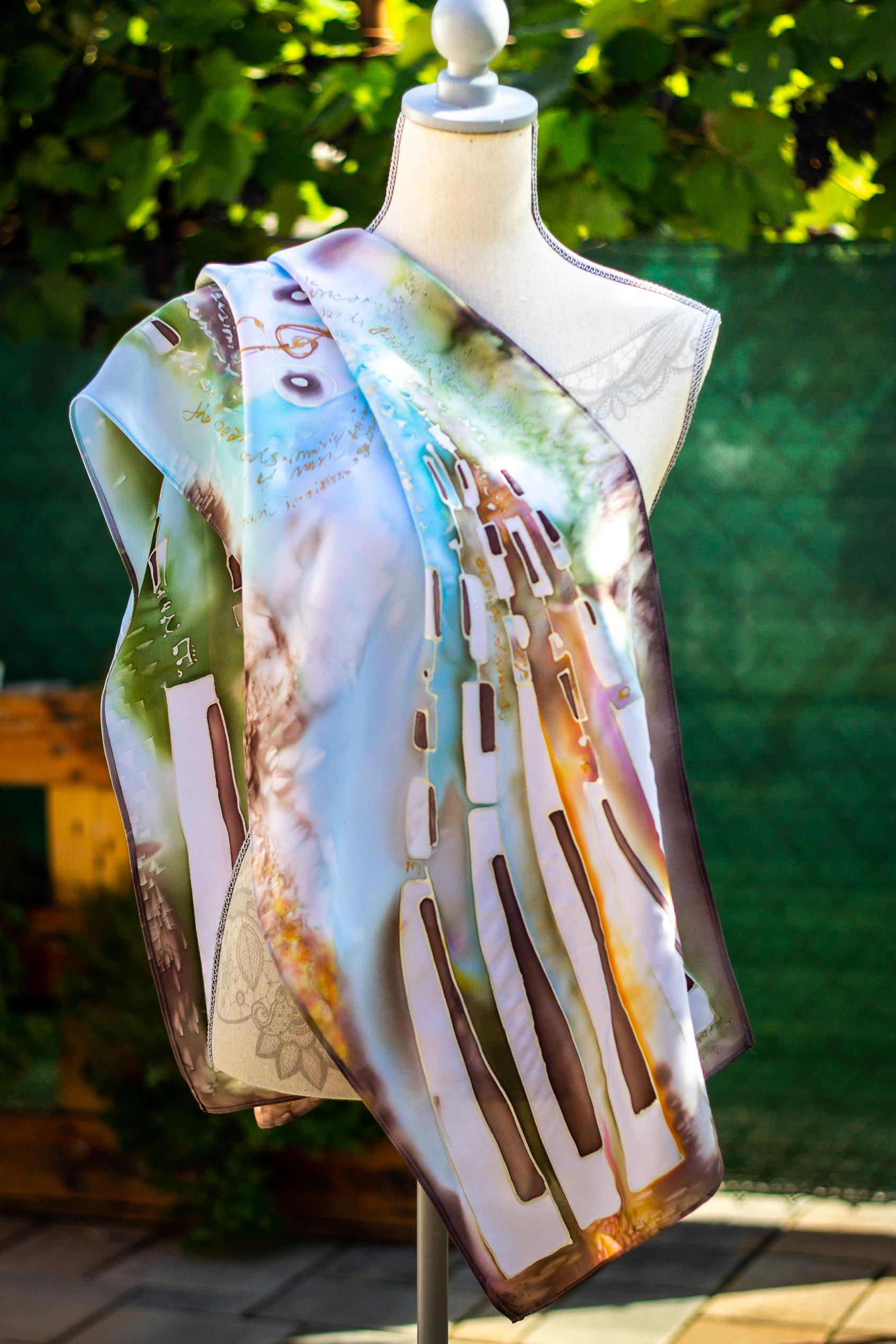 Ručne maľovaná hodvábna šatka