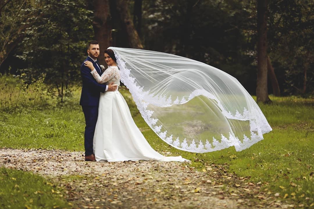 Svadobné šaty na mieru od Merredith - závoj